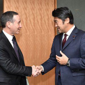 グラッサー国連事務総長特別代表(防災担当)による表敬を受けました。