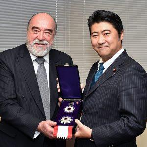 勲章伝達式 駐日アルゼンチン大使