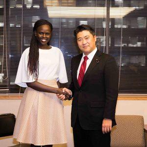 訪日中のアトン・ディマーチ氏(初代ミス南スーダン)の表敬を受けました。